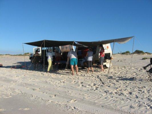 Picnic lunch sulla spiaggia di Cape Leveque (Western Australia, Australia)