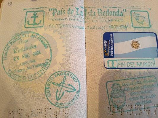 Viaggio in Argentina, annullo postale sul passaporto a Bahia Ensenada (Terra del Fuoco)