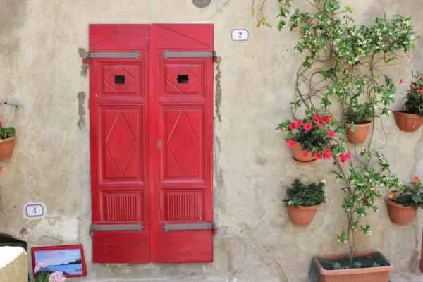 Ingresso abitazione Giglio Castello Toscana
