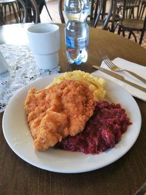 Piatto tipico cucina polacca bar mleczny
