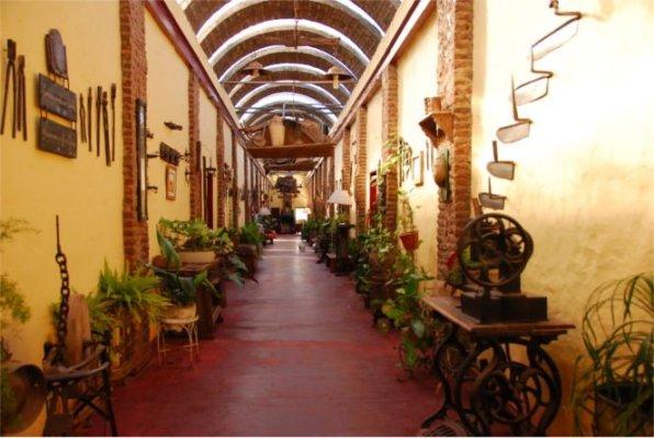 Interno di un edificio della Estancia Don Silvano a Capilla del Señor