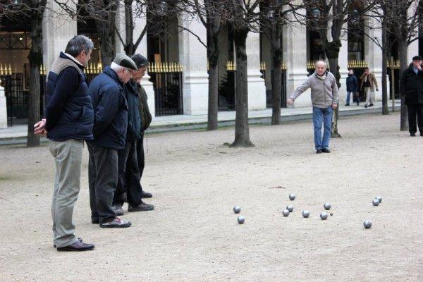 Gioco bocce giardini Palais Royal Parigi