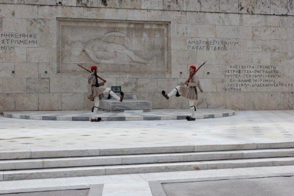 Cambio guardia Parlamento Atene