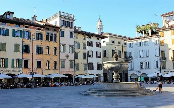 Piazza Matteotti a Udine