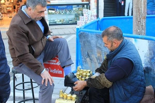 Lustrascarpe a Istanbul