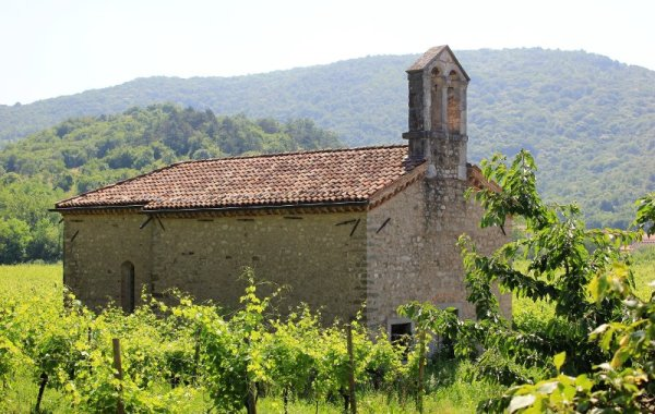 La Chiesa di San Giacomo Apostolo Albana