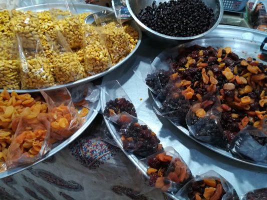 Frutta secca Bazar-e Bozorg di Esfahan Iran