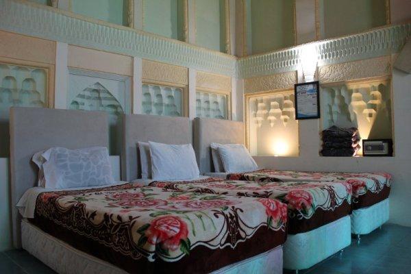 Camera Goethe Niayesh Hotel Shiraz Iran
