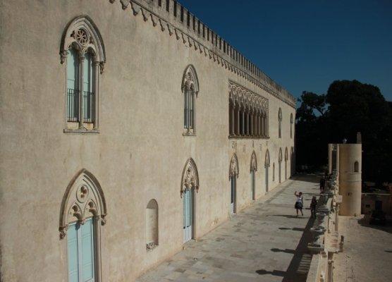 Castello di Donnafugata, vista della facciata