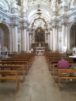 Interno chiesa di Santa Chiara Noto Sicilia