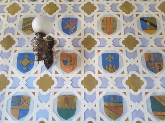 Interno del Castello di Donnafugata, la sala degli Stemmi