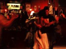 Ballerini di tango in una milonga di Buenos Aires