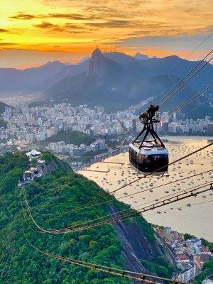 La funivia che porta sul Pan di Zucchero a Rio de Janeiro