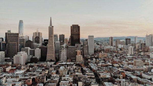 Panorama visto dalla baia sul centro storico di San Francisco