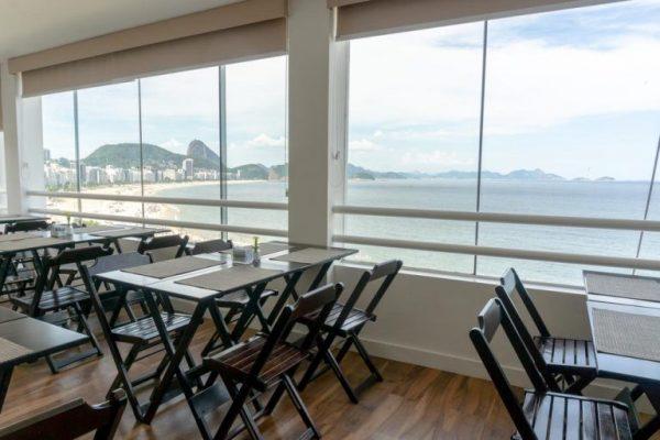 Sala colazione all'hotel 55 Rio Copacabana a Rio de Janeiro