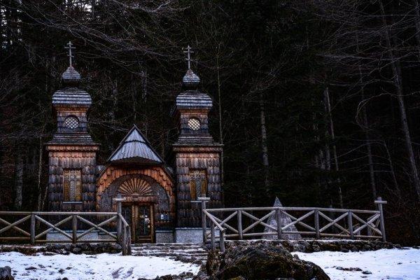 Cappella russa presso il passo della Moistrocca in Slovenia