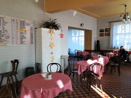 La sala da pranzo del bar mleczny Flisak di Cracovia
