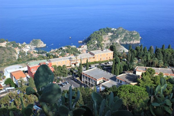 Panorama della baia di Taormina