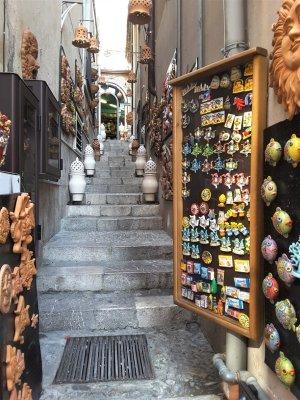 Negozio di ceramiche e souvenir a Taormina