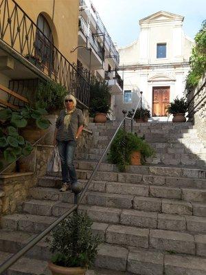 Una scalinata di Taormina