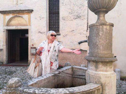 La fontana sullo slargo della Chiesa di Santa Caterina ad Asolo