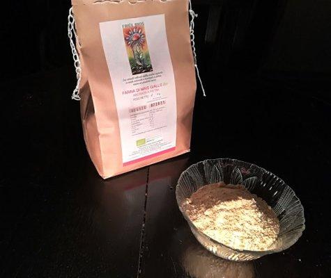 Farina di mais giallo prodotto dall'azienda agricola Friûl Bios di Galleriano (Udine)
