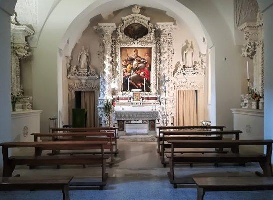 L'interno della cappella del Seminario di Lecce