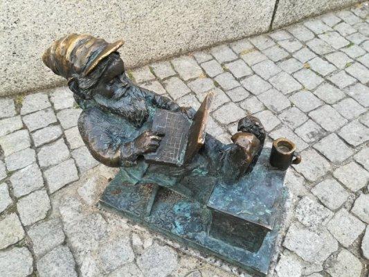 Lo gnomo programmatore nel centro di Breslavia