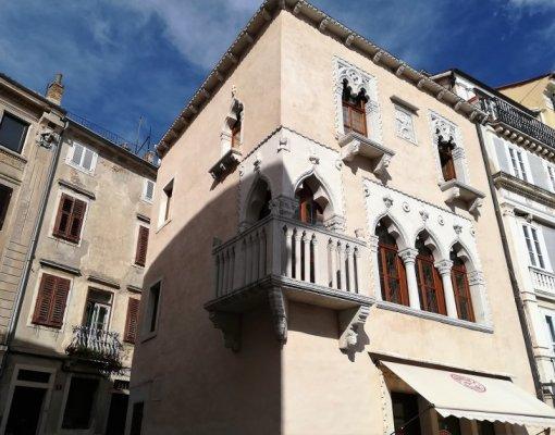 Edificio la Benečanka a Pirano