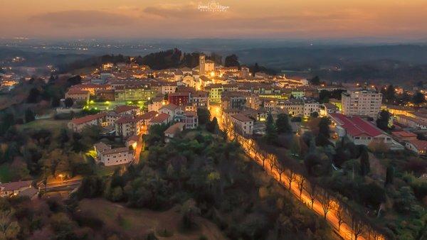 Panorama di San Daniele del Friuli by night