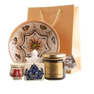 """Cos de dăruit cu ceramică de Corund, Ceramică de Horezu și ceva dulce natural  """"LINIȘTEA SUFLETULUI"""""""