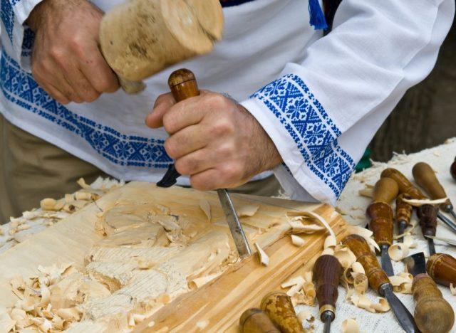 mester popular lemn