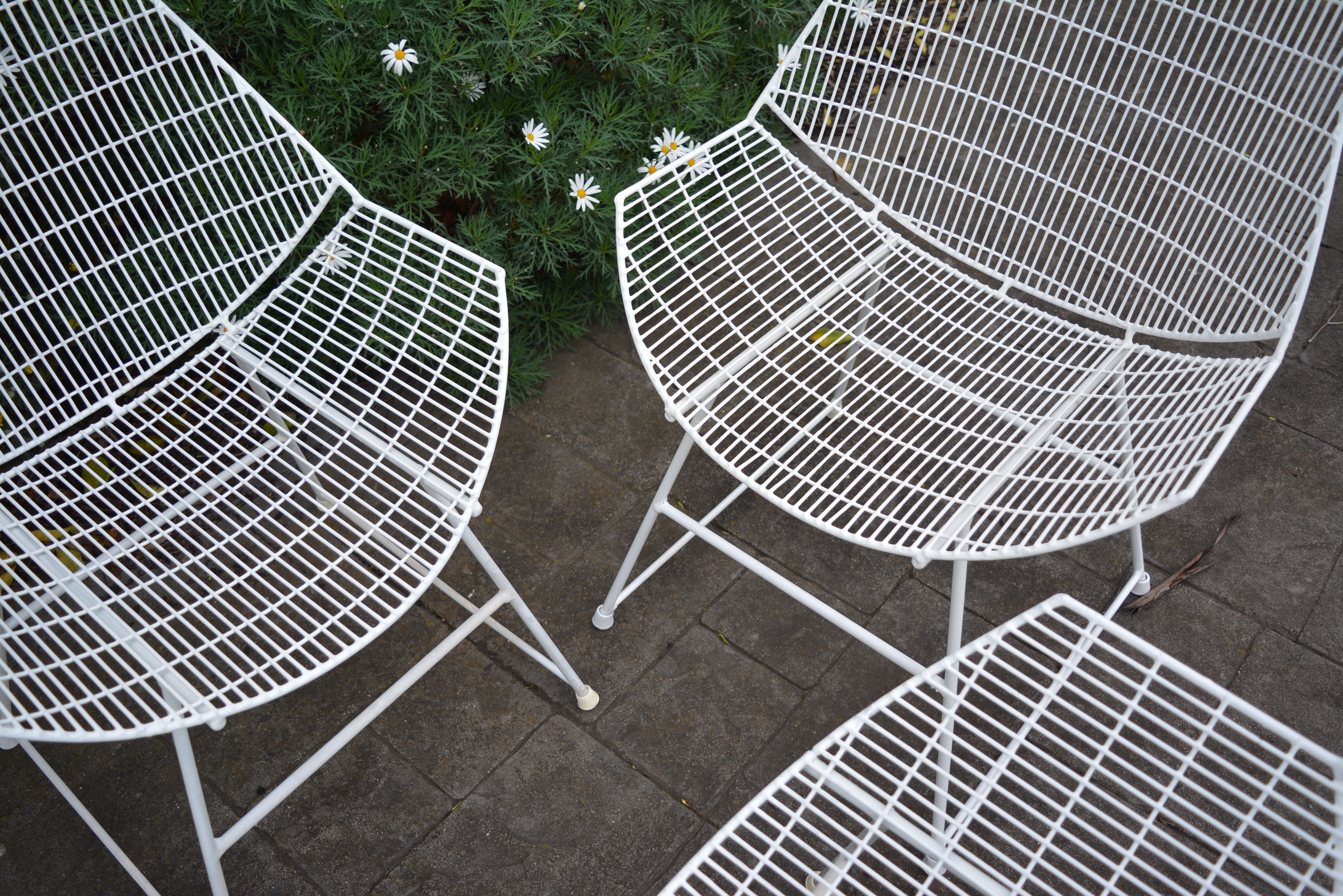 1950 s breotex wire outdoor designer furniture 4 vintage outdoor chairs patio chairs
