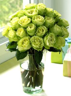wedding green roses