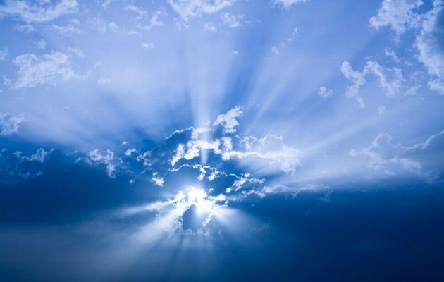 Sun+behind+clouds+God