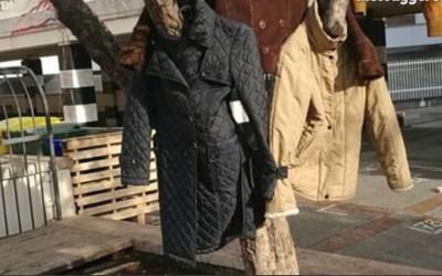 Iocisonoetu: il cappotto in sospeso