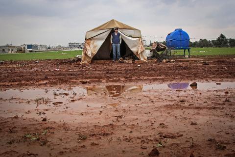 Los socios de la OIM siguen brindando asistencia a más de 80.000 personas afectadas por recientes inundaciones en el norte de Siria