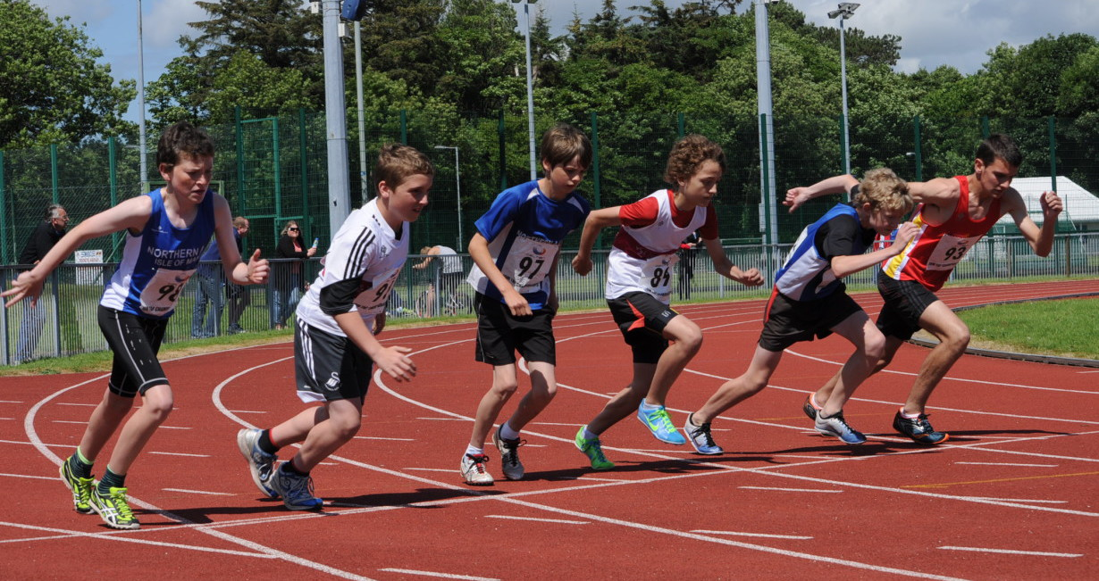 BBC Sport - Athletics - Manx Harriers compete in McCain UK ...