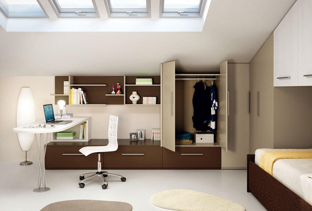Nelle camerette dei bambini le pareti sono particolarmente esposte allo sporco.prima di posizionare i mobili, è meglio dipingerle con una vernice protettiva. Cameretta Per Ragazzi Consigli Di Arredo E Progettazione