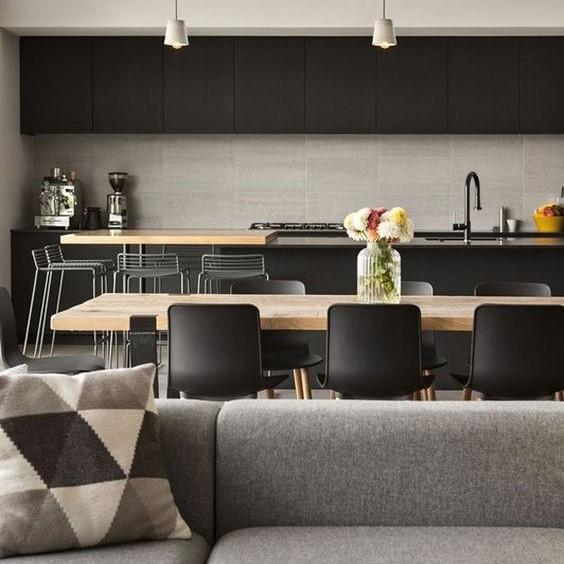 La sala da pranzo sempre più spesso fa parte della zona cucina quindi è importante riuscire ad arredare con poche mosse questo ambiente unico. Come Arredare Soggiorni E Cucine Insieme In Un Unico Ambiente