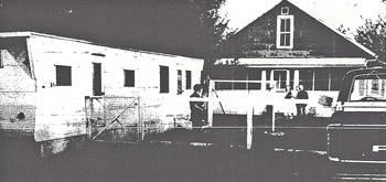 Robert Clary crime scene (from the Clinton Herald, courtesy David Jindrich)