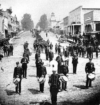 Possible photo of Henry Duffy's funeral procession (from Allamakee IA GenWeb)