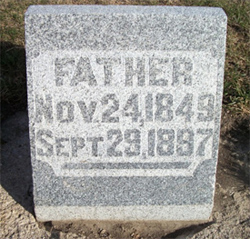 Fred Quade's tombstone (photo by Kimberly Albrecht [Nims])