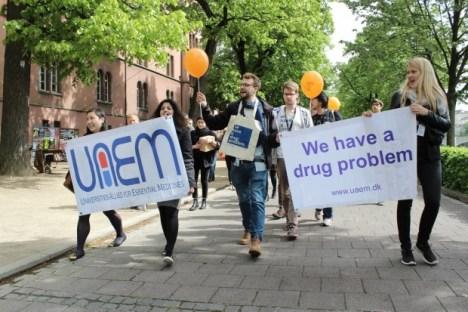 Students demonstrating in Basel © UAEM