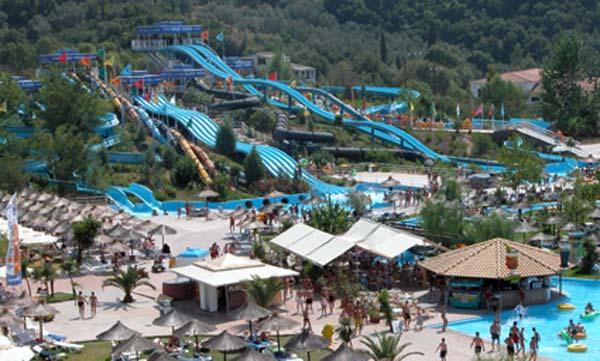 Parco acquatico Aqualand a Corfu, uno dei parchi divertimento della Grecia