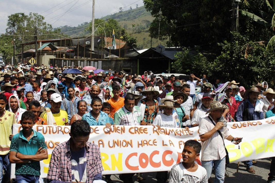 El 17 de febrero de 2017 se conformó la coordinadora municipal de coquicultores de Valdivia. Ese día los cultivadores de coca marcha-ron por la troncal a la Costa Caribe a la altura del corregimiento Puerto Valdivia, Norte de Antioquia.
