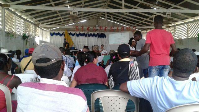 En La Punta, Chocó, se realizó la asamblea del consejo comunitario de La Larga Tumaradó, donde comunidades afros con título colectivo y campesinos mestizos son títulos individuales luchan por la restitución de sus tierras en medio de constantes agresiones de actores armados y empresarios opositores al proceso.