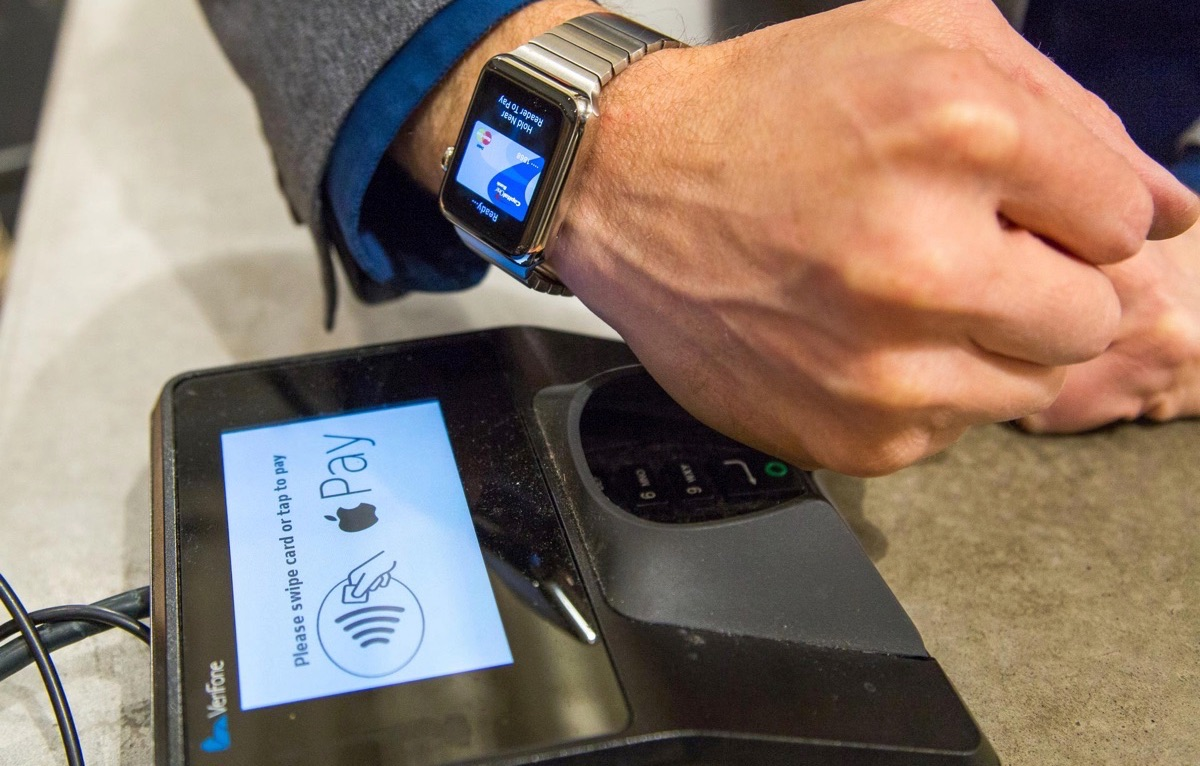 En France  quelques banques font le pari d Apple Pay sur fond d     apple pay canada jpg