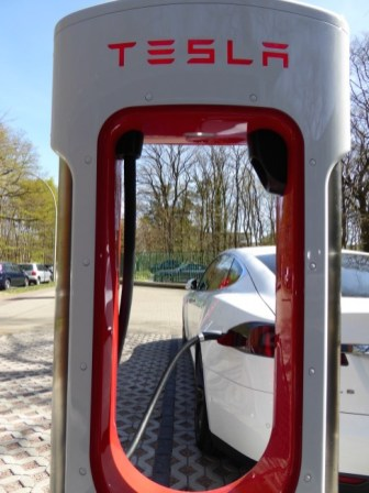 Supercharger Tesla Hamburg