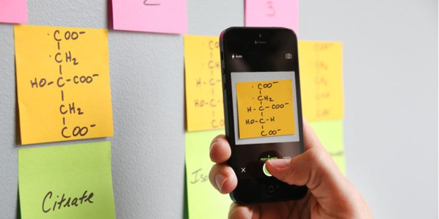 Aus einer Papierhaftnotiz wird eine digitale Aufgabe mit Erinnerungsfunktion